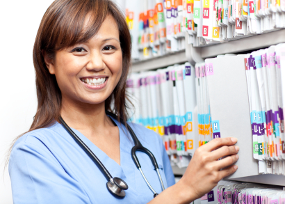 how to become a healthcare administrator assistant